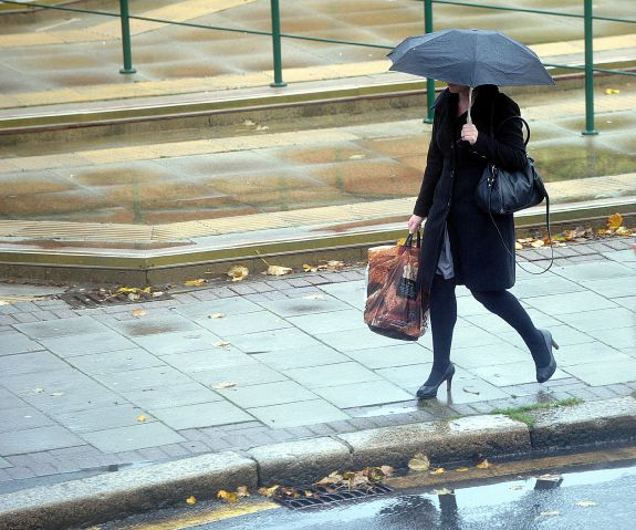Met Eireann issues Status Yellow rainfall warning as Storm Helen approaches